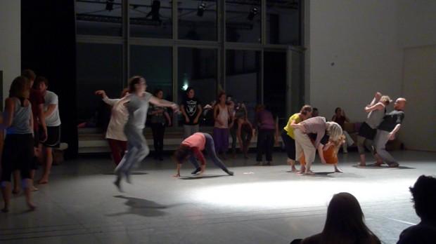 Performance »Geister schütteln«